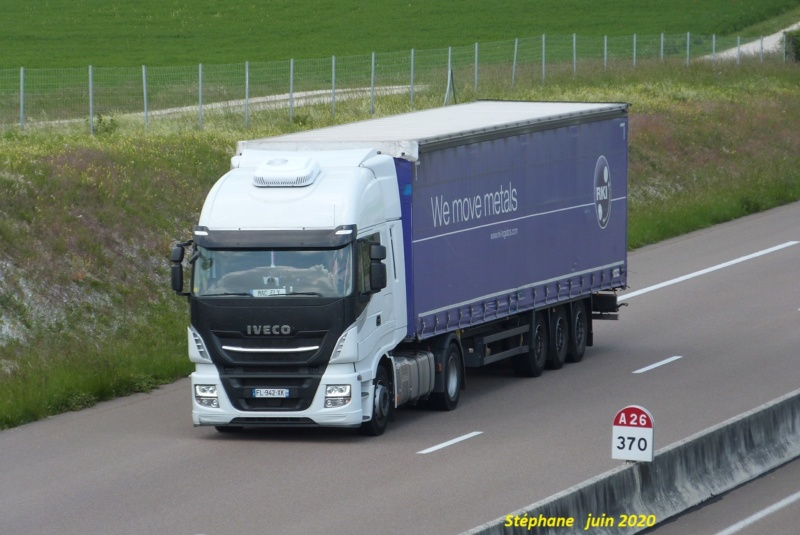 Iveco Stralis Hy Way (euro 6) - Page 2 P1510816