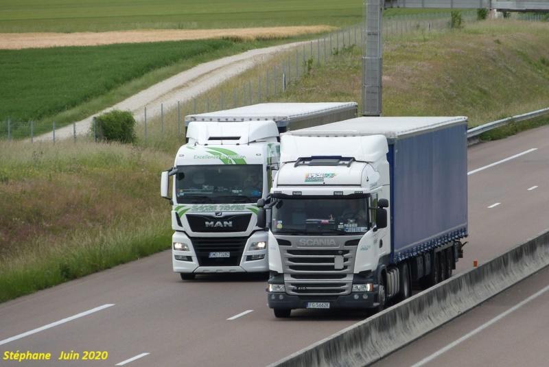 Photos avec plusieurs camions - Page 44 P1520081