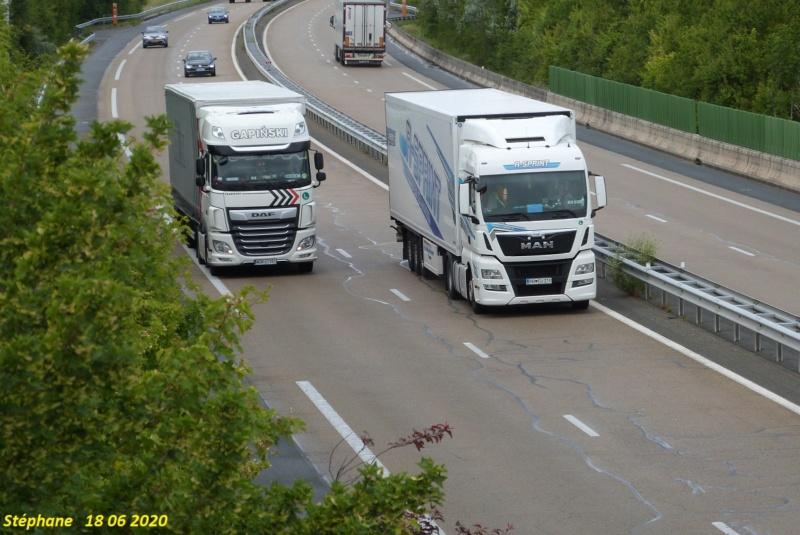 Photos avec plusieurs camions - Page 44 P1520326