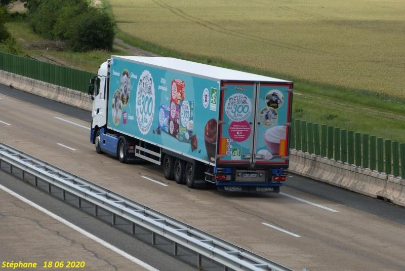 La publicité sur les camions  - Page 41 P1520358