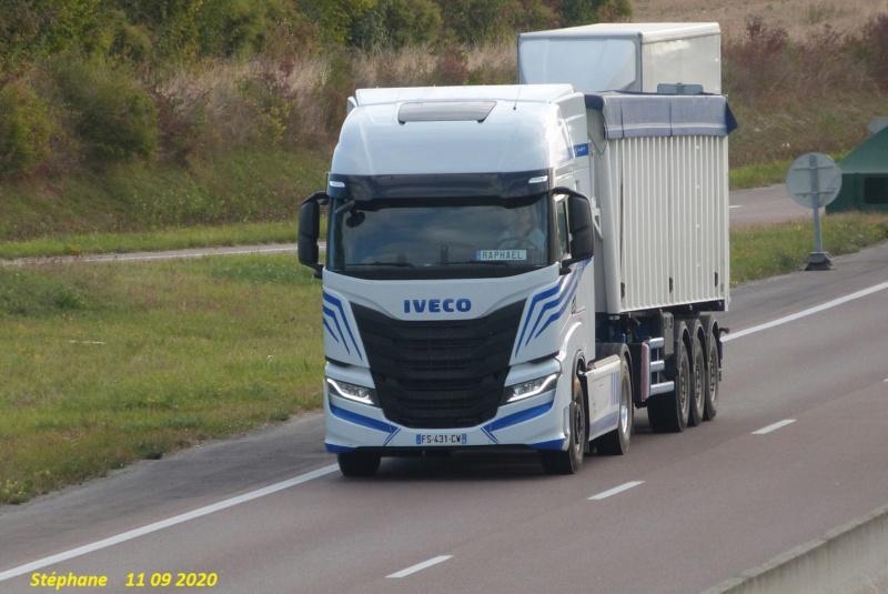 Nouveau Iveco S Way (euro 6) - Page 2 P1540645