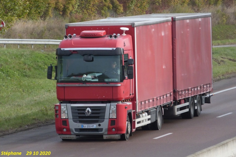Renault AE et Magnum - Page 16 P1550461