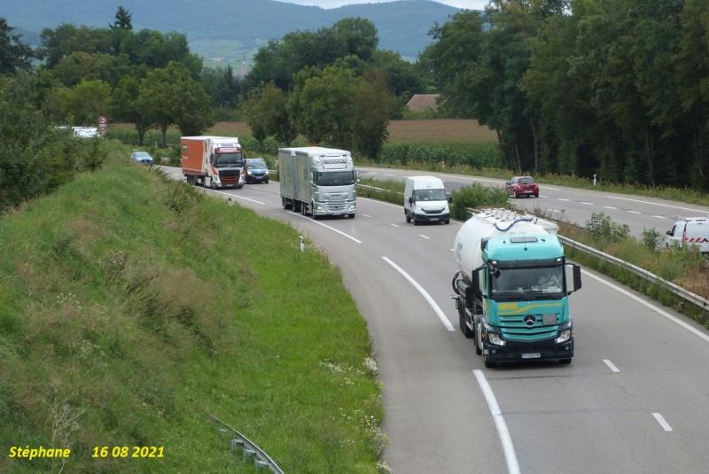 Photos avec plusieurs camions - Page 7 P1580479