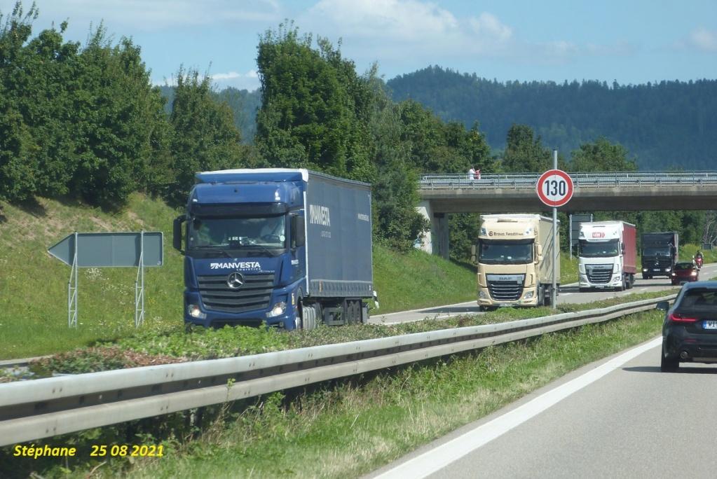 Photos avec plusieurs camions - Page 7 P1580881