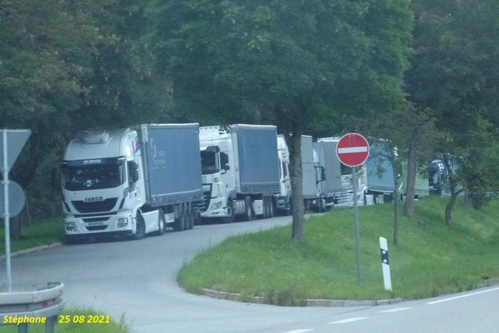 Photos avec plusieurs camions - Page 7 P1590047