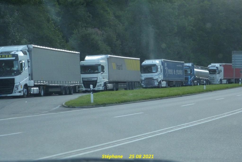 Photos avec plusieurs camions - Page 7 P1590048