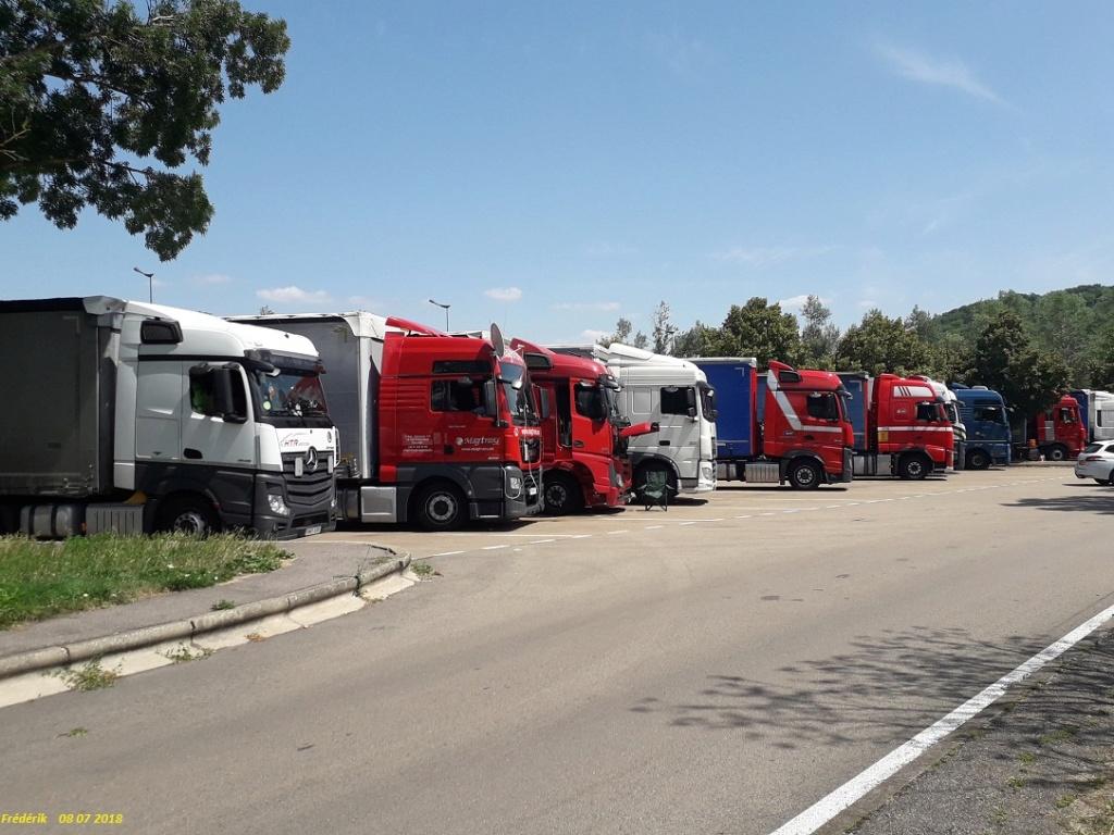 Photos avec plusieurs camions - Page 36 Receiv34