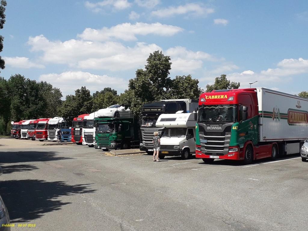 Photos avec plusieurs camions - Page 36 Receiv35
