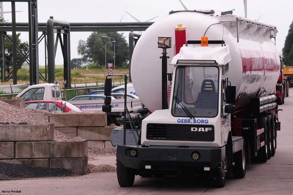 Les camions de manutention Terberg et Mol. - Page 3 Smart478