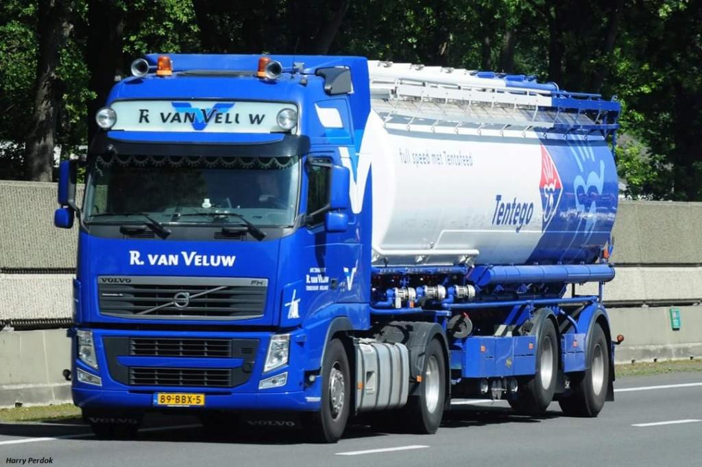 R. Van Veluw  (Terschuur) Smart700