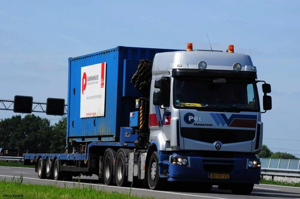 Pol Transport (Hoogeveen) Smart737