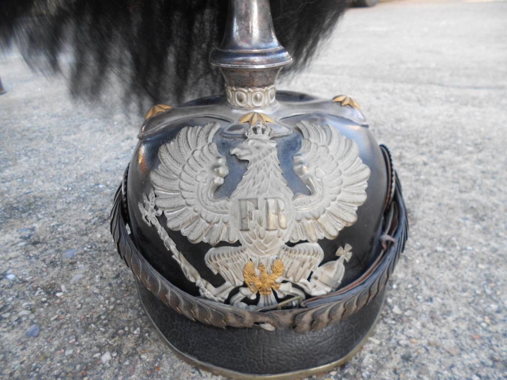 casque à pointe officier prussien avec haarbuch Dscn0085