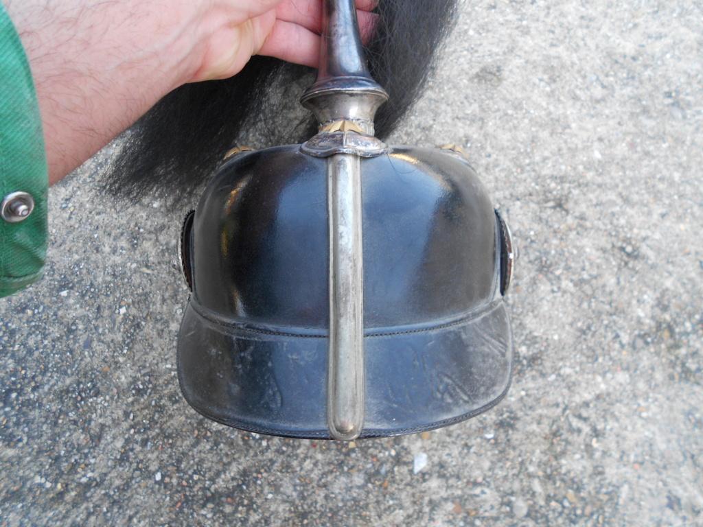 casque à pointe officier prussien avec haarbuch Dscn0088
