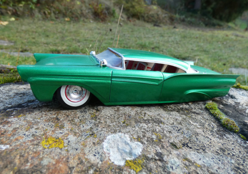 1957 Ford - Trophy series - 3 in 1 - 1/25 scale - Amt -  P1000012