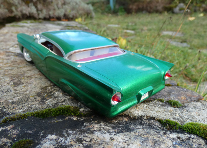 1957 Ford - Trophy series - 3 in 1 - 1/25 scale - Amt -  P1000013