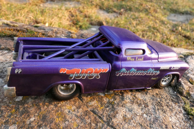 1955 Chevy Cameo pick up - amt - 1/25 scale P1000215