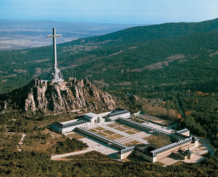 """Dictator Franco to be removed from """"Valley of the Fallen"""". Tour_i10"""