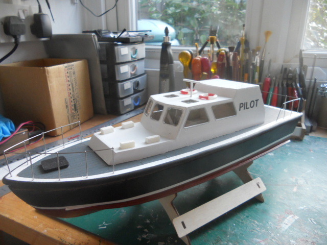 Police/Pilot Boat Dscn1925