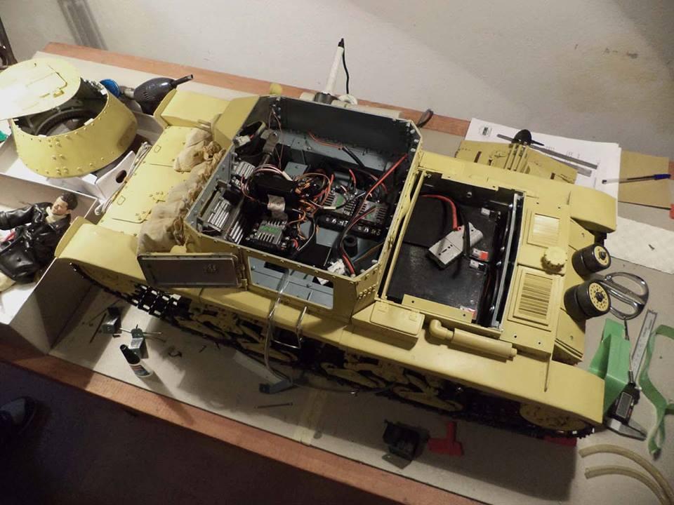 Carro italiano M13/40 scala 1:6 18595710