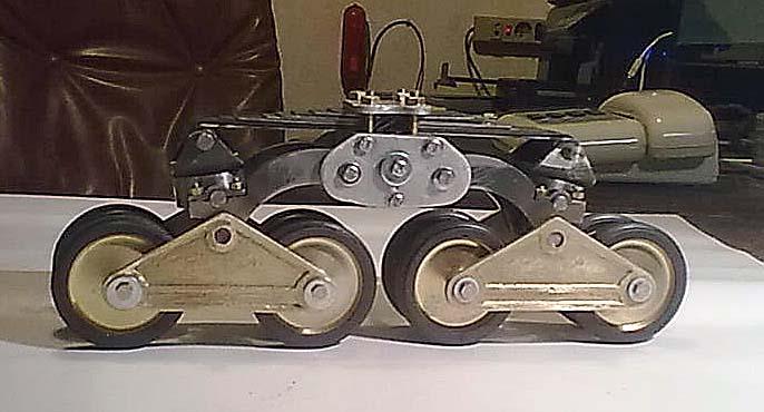 Carro italiano M13/40 scala 1:6 22696310