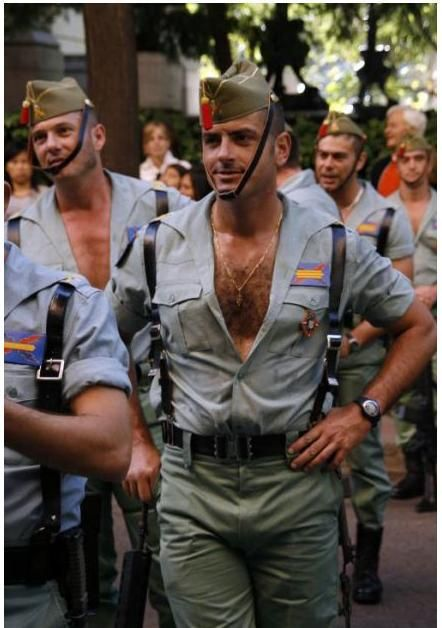 25 Hottest Military Uniforms Ever Spanis15