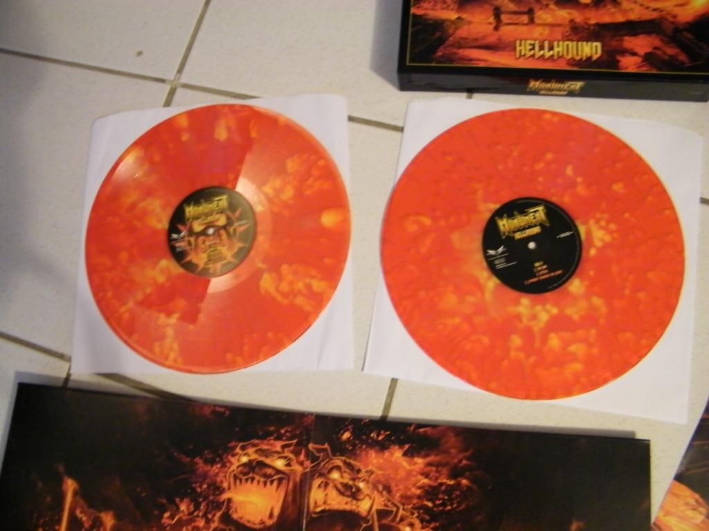 Vous avez des BOX CD ou/et Vinyles Collectors? 34605110