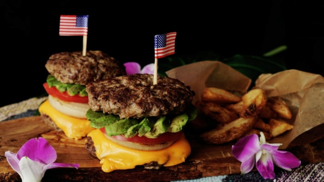 What toppings make your perfect hamburger? - Page 2 Invert10