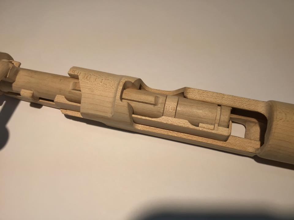 Un Tokarev en bois à assembler 80046210