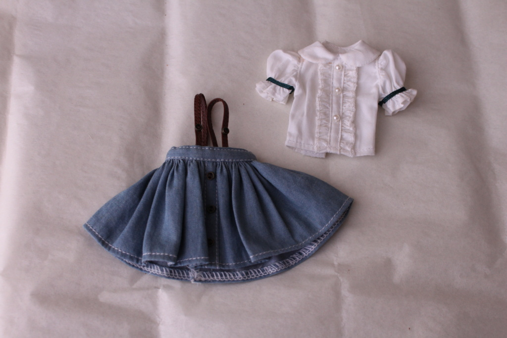 [VENDS]Obitsu/Azone Pure neemo/Vêtements/Chaussures/Eyechips Img_8219