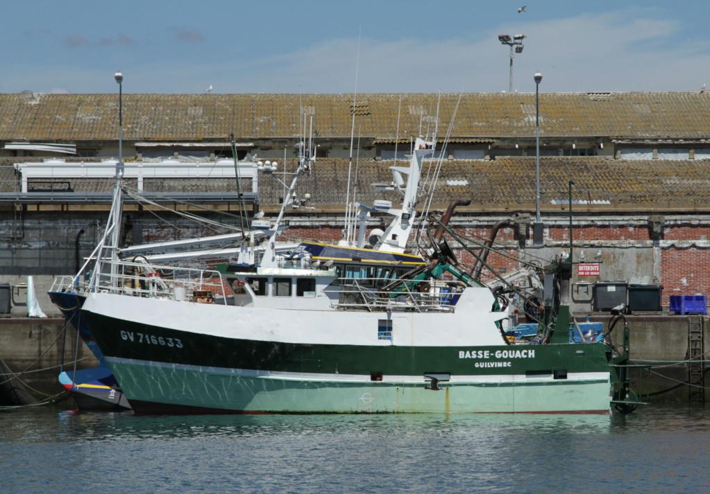 [VIE DES PORTS] Quelques bateaux de pêche (sur nos côtes Françaises) - Page 6 Basse-10