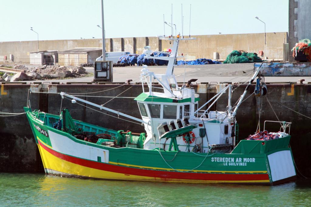 [VIE DES PORTS] Quelques bateaux de pêche (sur nos côtes Françaises) - Page 6 Stered10