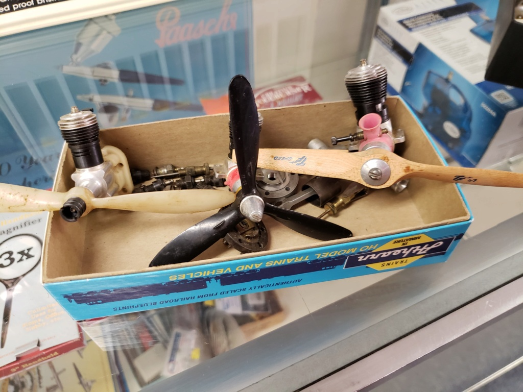 Cox cars, planes and parts. 37073110