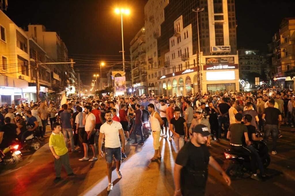مظاهرات عارمة بساحات لبنان ضد السلطة كلها Fb_im325