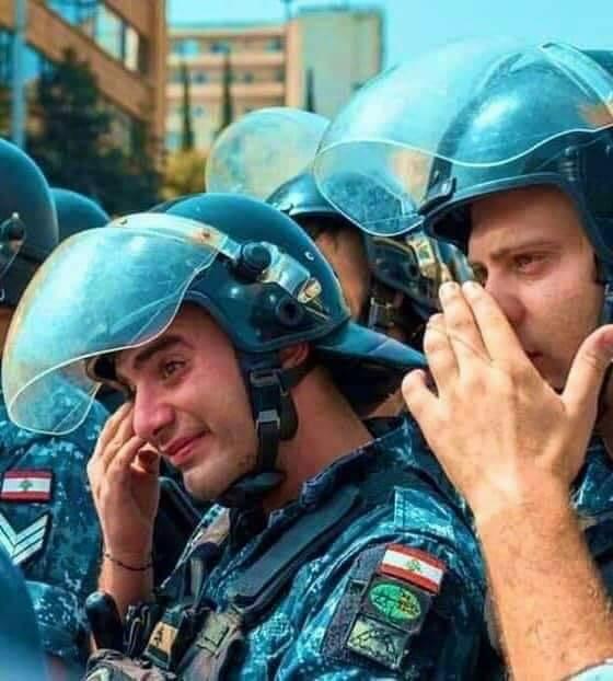 مظاهرات عارمة بساحات لبنان ضد السلطة كلها Fb_im329