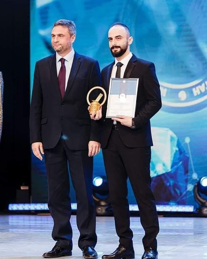 السوري باسل سليمان ينال جائزة أفضل أبتكار بموسكو . Fb_im355