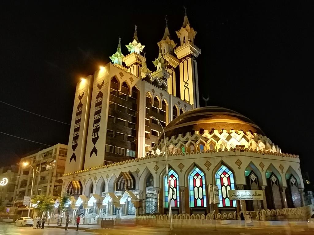 اضواء على معرض حلب في صور Img_2012