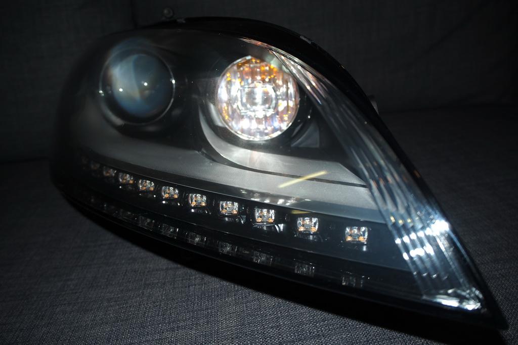 Vds 2 phares Xénons Plus à Led phase 2  Phare_10