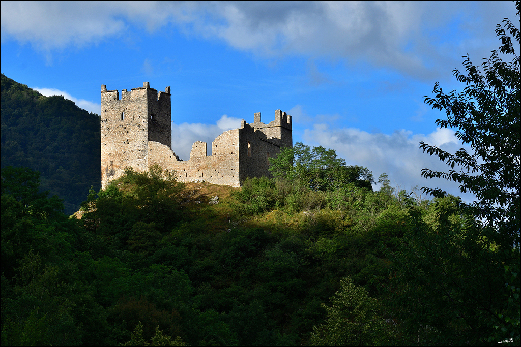 Un rayon de soleil sur le château Lmb_7015