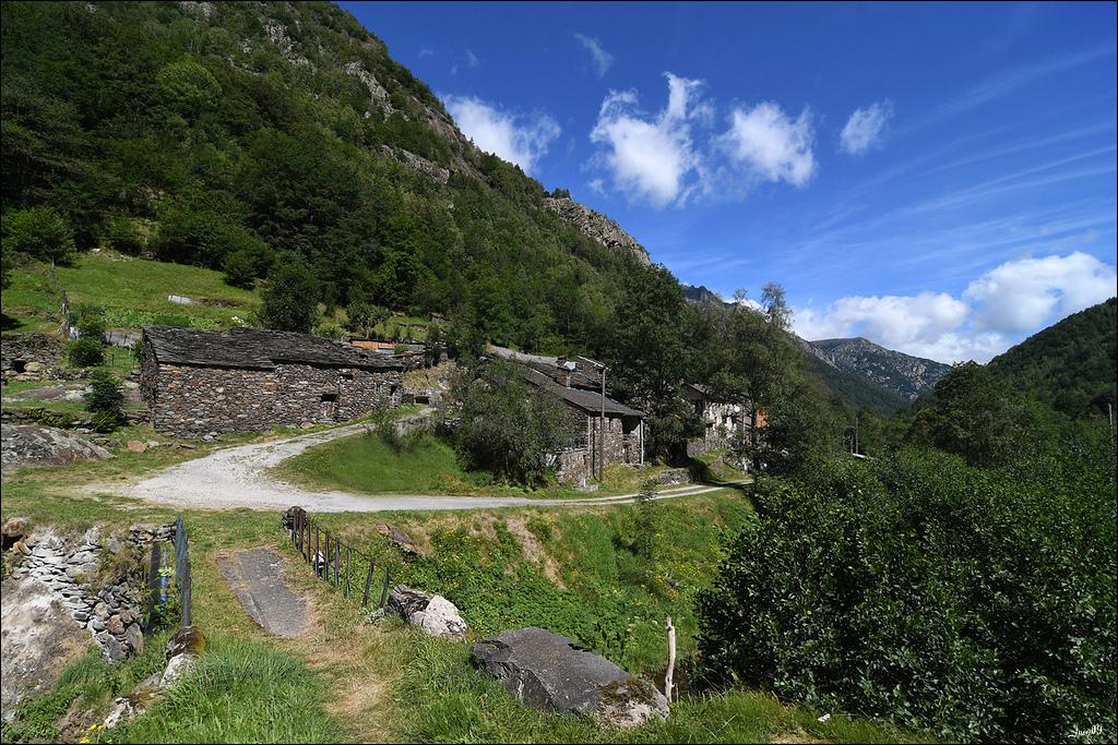 Mounicou, village Ariégeois dans les montagnes d'Auzat Lmb_7113
