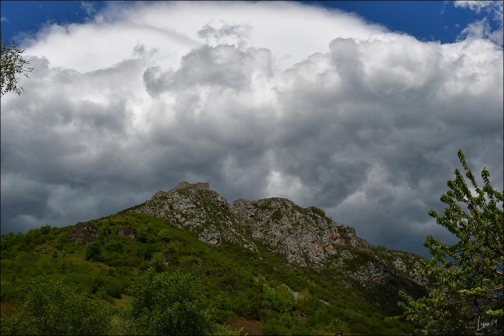 Ciel d'orage sur Montségur Lmb_8712