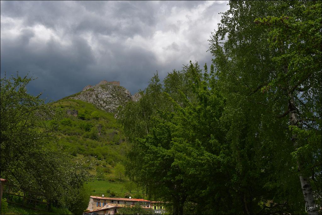 Ciel d'orage sur Montségur Lmb_8716