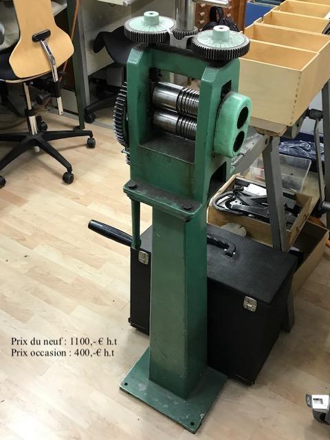 Machines, Vitrines à Vendre suite cessation  Cid_b010