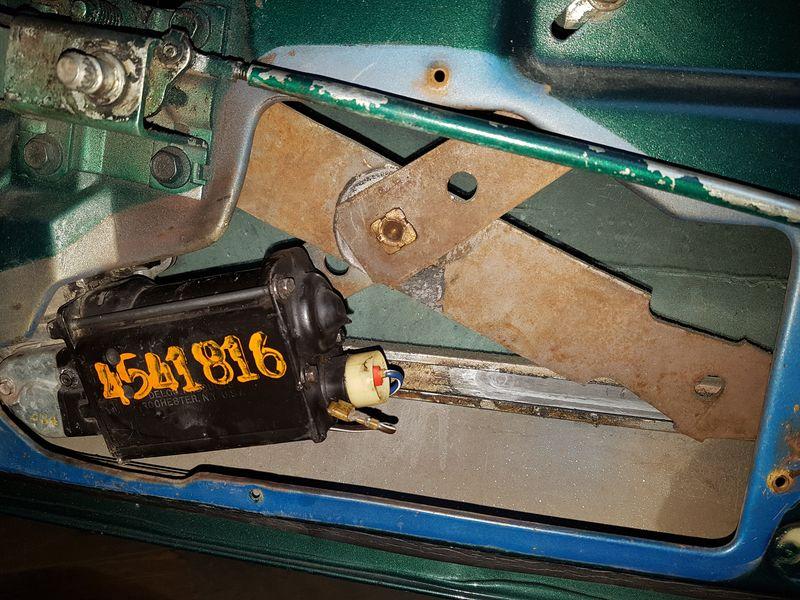 Gros problème lors du remontage du moteur de lève-vitre 20190410