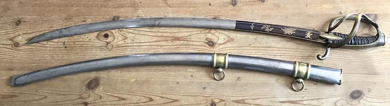 Les sabres d'officier de cavalerie légère à la chasseur Img_0411