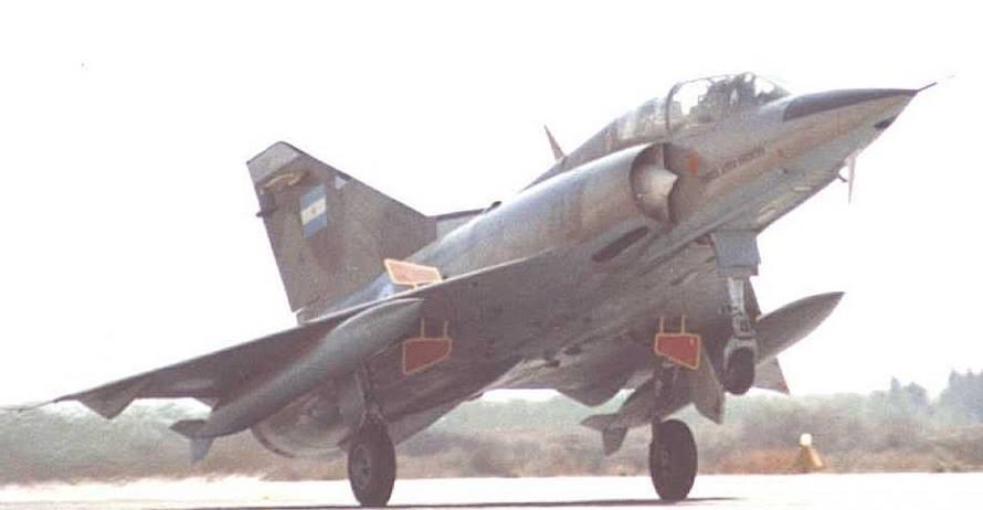 Fotos de la Fuerza Aérea Argentina - Página 3 10121310