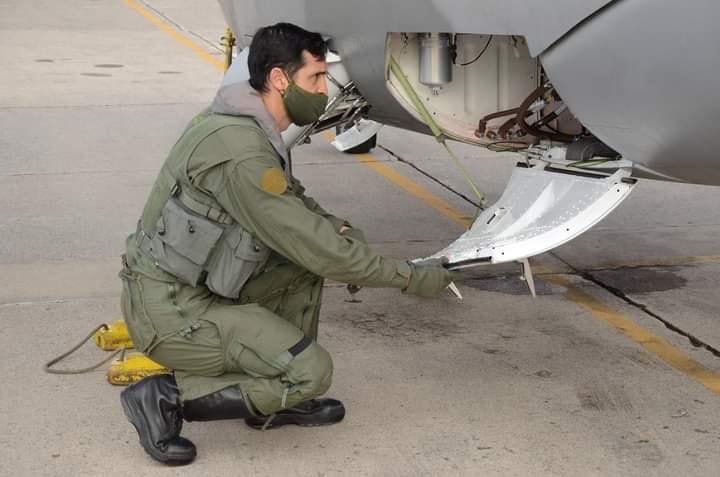 Novedades Dassault-Breguet Super Etendard Modernisé SEM5 del COAN - Página 28 11777010
