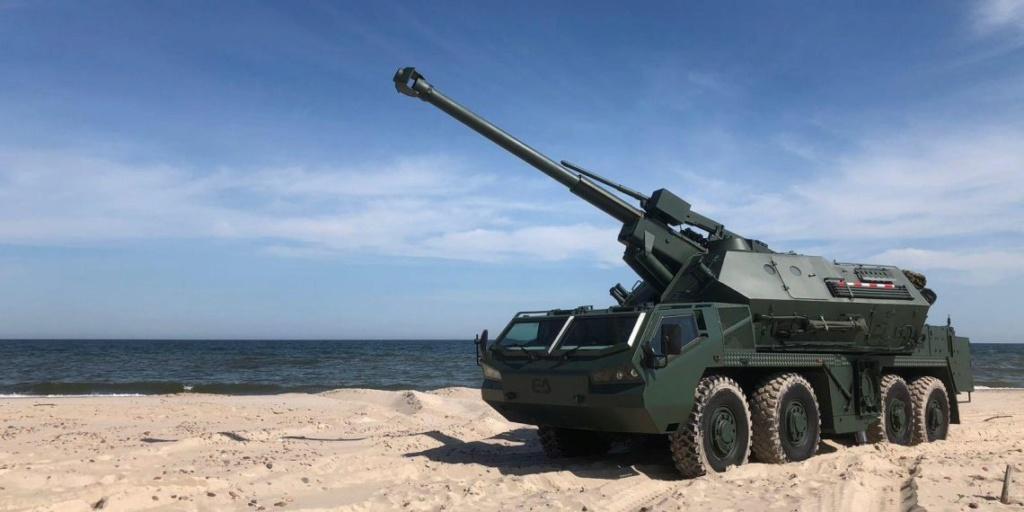 Excalibur Army exhibe el nuevo obús autopropulsado DANA M2 7d2d1910
