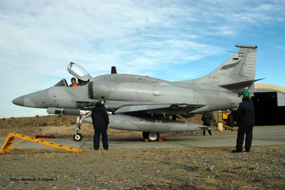 Fotos de la Fuerza Aérea Argentina - Página 3 99988610