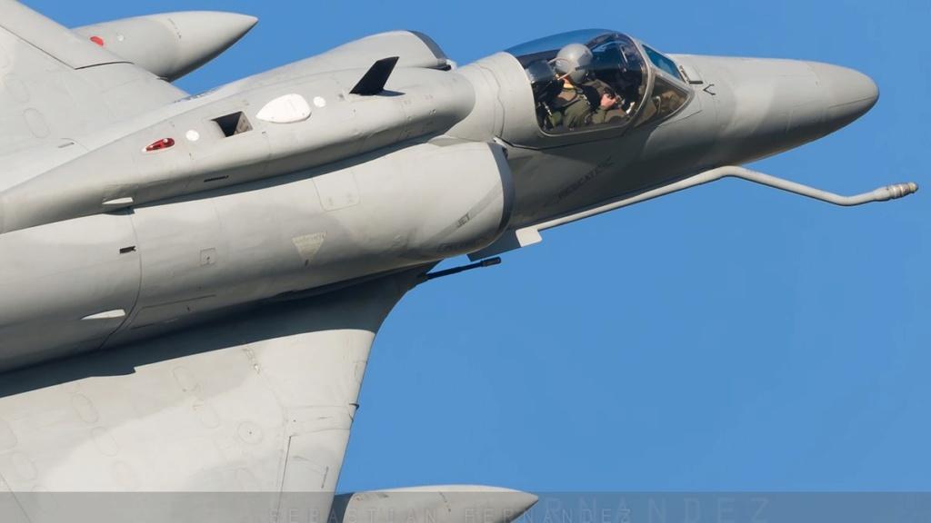 Fotos de la Fuerza Aérea Argentina - Página 3 Dkrruk10