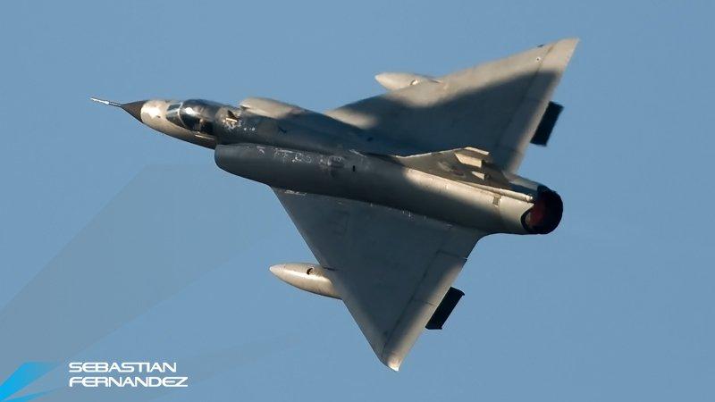 Fotos de la Fuerza Aérea Argentina - Página 3 Dkrssq10